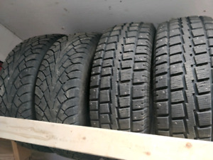 Winter tires 235/65/17 very good condition