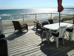 Comfy Beachfront Getaway Cottage at Sherkston Shores!
