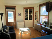Grande chambre tout inclus meublée / Room furnished all included