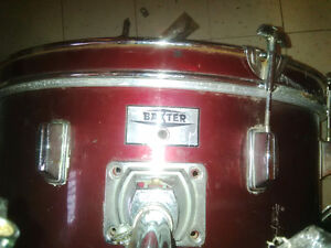 Baxter Drum Set 4 piece (fixer-upper) Gatineau Ottawa / Gatineau Area image 3