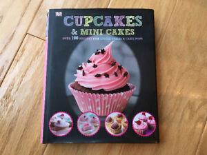 Cupcakes & Mini Cakes (DK cookbook ~ 2014) hardcover