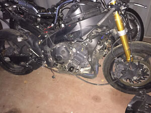 Parting out 2009/2010 Yamaha R1