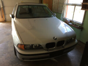 BMW 528i MINT CONDITION