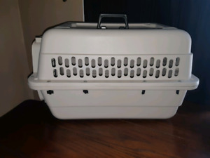Airline Approved Dog Kennel ☆ Town of Calmar