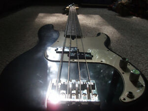 2007 FENDER P-BASS HWY 1 *MADE IN USA* London Ontario image 2