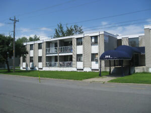 4½ style condo - Grand/Huge - Greenfield Park - Animaux/Pets OK