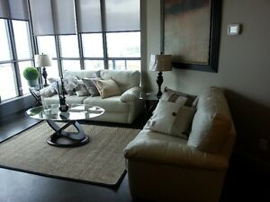 Luxurious 2BR Keynote (furnished/unfurnished) -Further Reduced!!