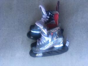 Bauer Vapour X 800 Youth Size 2D (size 3 shoe size)
