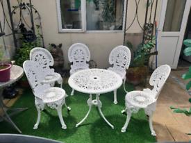 Stunning white 6 peice cast iron garden set bargain £500