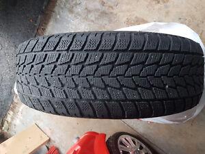 2x pneus hiver Toyo 215/65r16