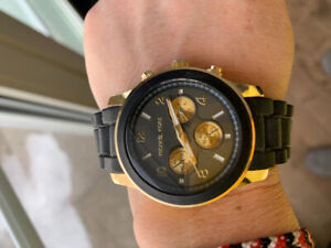 Michael Kors inspired watch gold and black