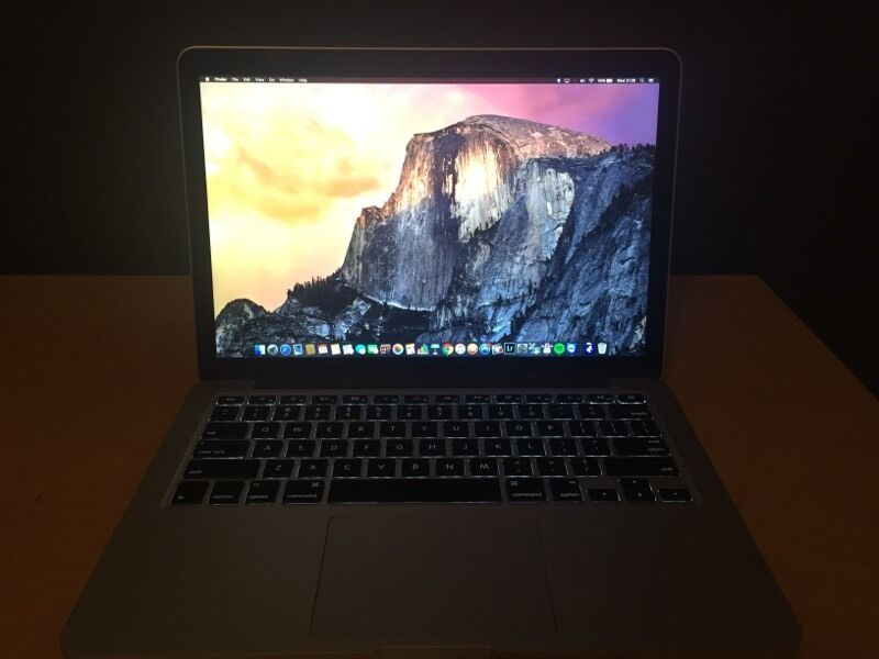 "MacBook Pro 13"" / i5 2.6GHZ / 256GB SSD / 8GB Ram"