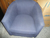 Simmons Hideabed with Upgraded mattress Plus 2 Club Chairs