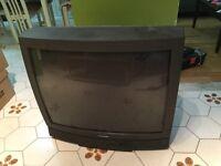 """Télé gratuite 32"""" / Free 32"""" TV"""