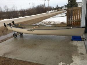 Clipper canoe 16 foot wide back