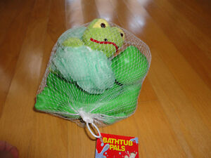 Brand new with tags frog bathing pals set London Ontario image 3