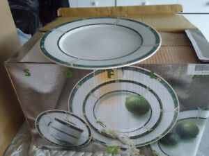 Set of Beautiful dishes in a box