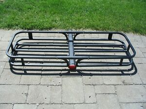 HITCH MOUNTED CARRIER
