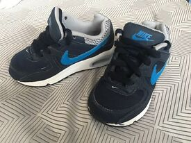 **Boys 'Nike air' trainers **