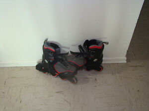 Selling men's rollerblades (almost brand new)