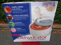 FOOD  DE-HYDRATOR - MAKE HEALTHY SNACKS