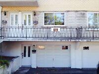 Ahuntsic, Garage simple à louer bas de duplex