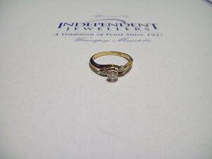 10-14K YELL/WHT GOLD DIAMOND RING. ESTATE SALE.