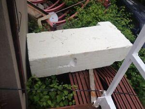 Gros bloc de styrofoam pour faire un quai flottant 4'x7'x 2' 99$