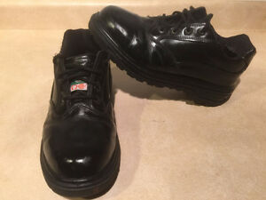 Women's Magnum Steel Toe Work Shoes 8.5 London Ontario image 5