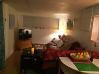 SUMMER SUBLET (May-August) 15min walk to UVIC and on #14 bus