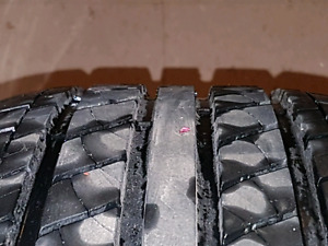 Set of 4 bran new tires p 235 60 R18s
