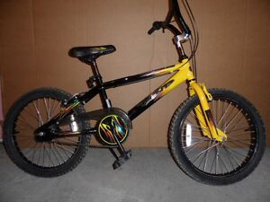 """KENT CROSSFIRE FREE STYLE BIKE - 12"""" FRAME, 20 X 2"""" TIRES - VERY"""