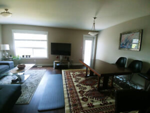 2 BR available in a 3 BR new townhouse on College Height