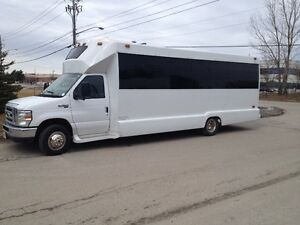 2008 Ford Diamond Coach E450 24 SEATS Executive Shuttle Bus