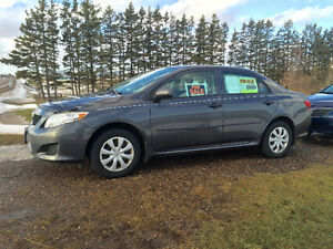 2009 Toyota Corolla CE Sedan. Only 118,000 km. Automatic !!!
