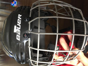 Complete hockey gear with bag