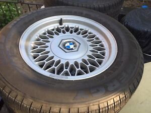 225 60 R15 E34 Bmw mint rims and tires