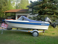 14' Fiberglass boat for Sale w/5ohh mercury motor