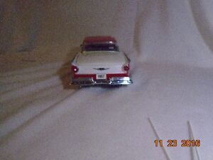 New price. 1957 Ford Retractable Hard Top Diecast. London Ontario image 4
