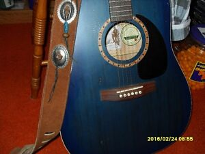 Art and Lutherie Acoustic Guitar with Leather Strap