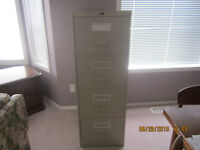 4 Drawer Filing Cabinet - Excellent Condition!