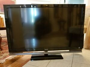 """Sony KDL-52W4100 52"""" 1080p HD LCD Television"""