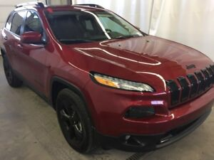 2017 Jeep Cherokee Limited  w/ Tech, Safety, Parallel Park Assis