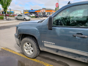 2007 gmc sierra 1500 ext cab SLE 4x4 low kms