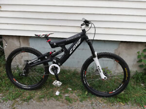 Custom Cove Peeler DH Bike with amazing parts - Marzocchi & more