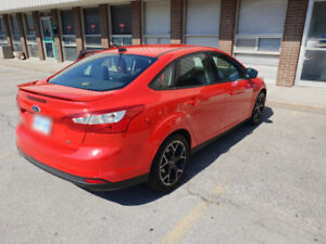 2012 Ford Focus SE - SPORT Edition - PRICED TO SELL!