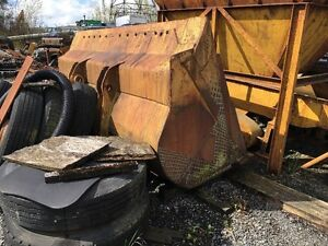 Bucket for 980B Loader