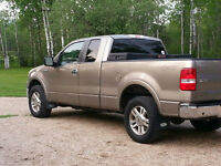 2005 4X4 Ford F-150 Lariot SuperCab Pickup Truck