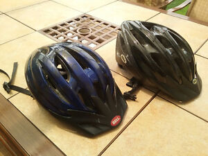 2 casques velo bell
