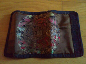 Women's fabric silk trifold wallet for sale London Ontario image 3